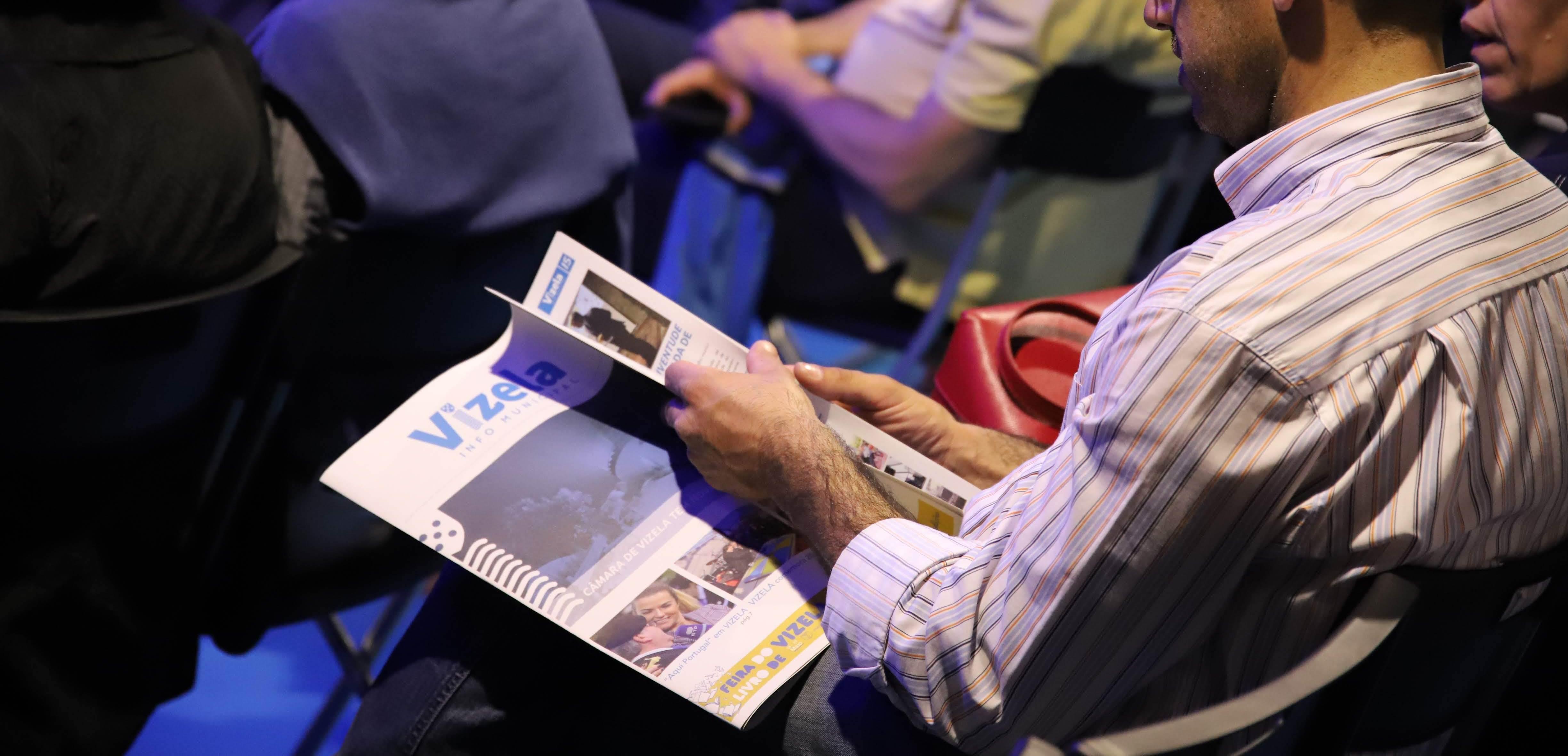 Apresentação da segunda edição do jornal Info Municipal