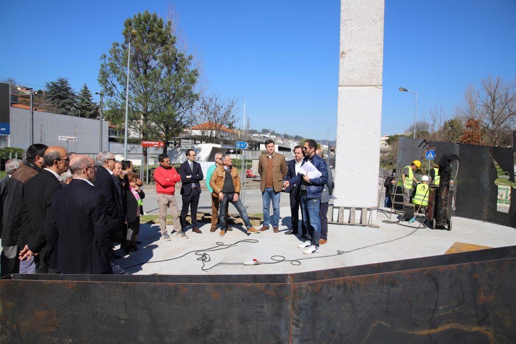 Executivo apresentou monumentos de homenagem ao Povo de Vizela e a Manuel Campelos