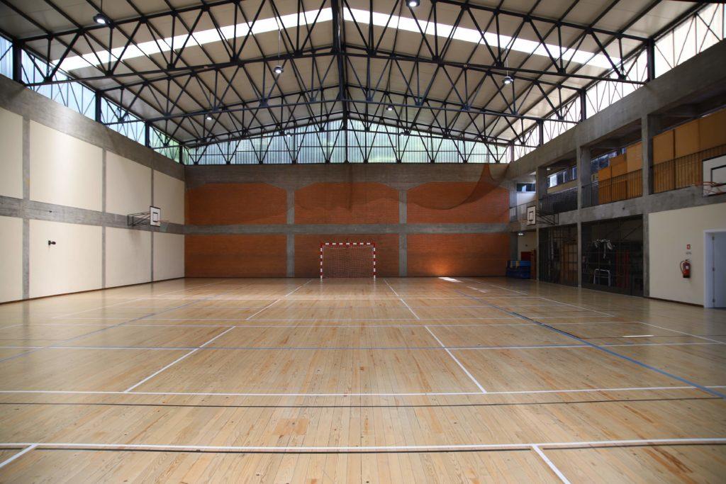 Câmara assume gestão dos pavilhões desportivos das escolas