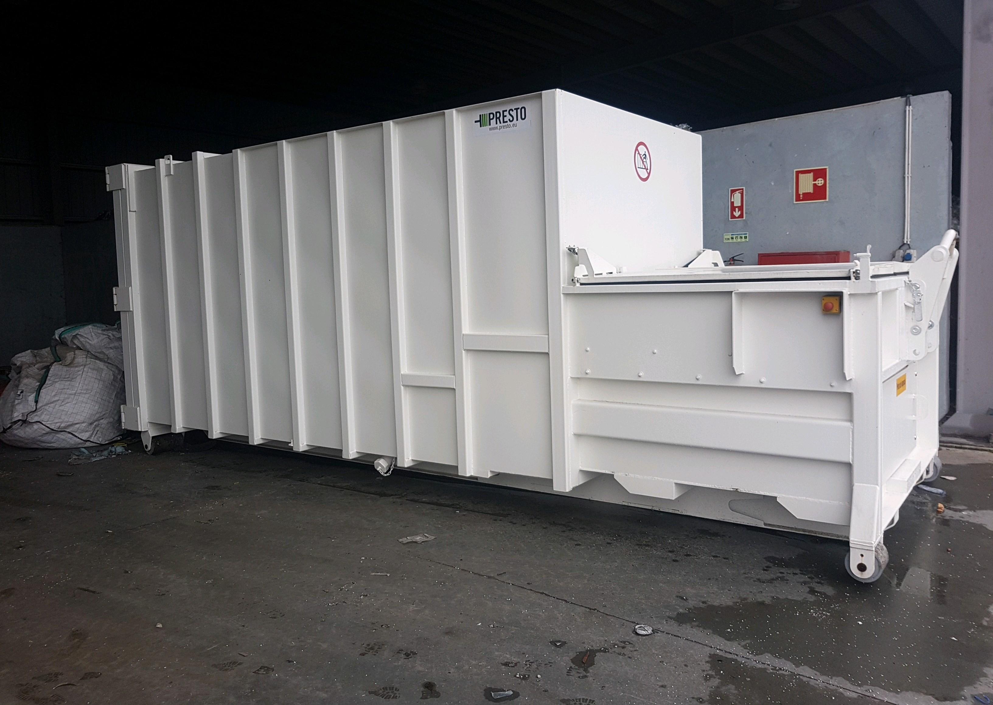 Câmara Municipal de Vizela e Resinorte iniciam recolha porta a porta no comércio e instalam autocompactador para a recolha de resíduos seletivos