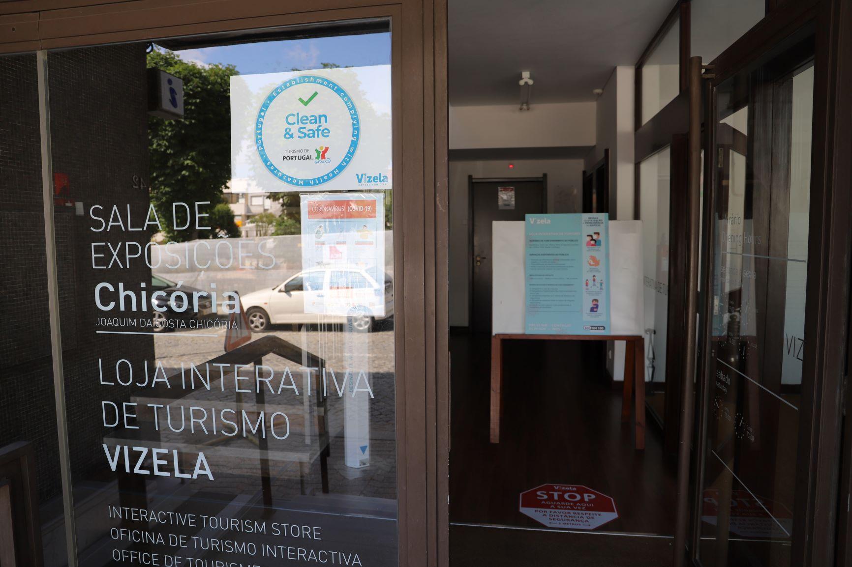 """LOJA INTERATIVA DE TURISMO DO MUNICÍPIO DE VIZELA COM SELO """"CLEAN & SAFE"""""""