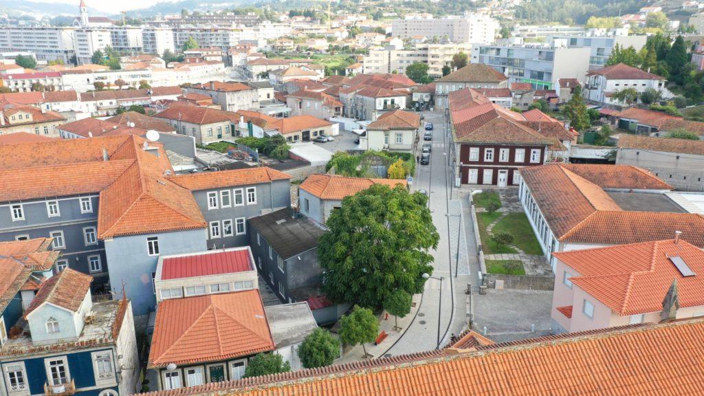 CÂMARA INAUGURA REQUALIFICAÇÃO DAS RUAS FERREIRA CALDAS E JOAQUIM PINTO